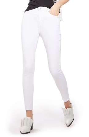 https://shop.nordstrom.com/s/topshop-jamie-raw-hem-skinny-jeans/4637212?origin=keywordsearch&keyword=white+denim